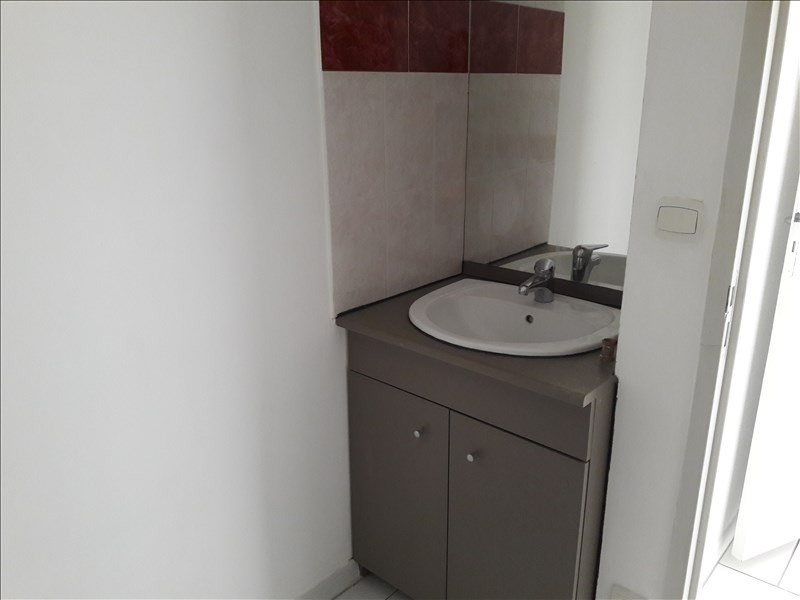 Location appartement Marseille 10ème 591€ CC - Photo 5
