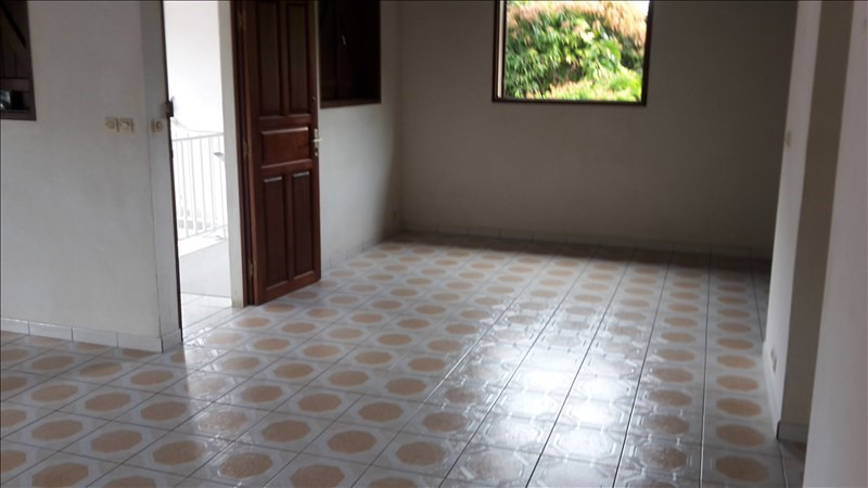 Rental house / villa Le gosier 1 053€ CC - Picture 7