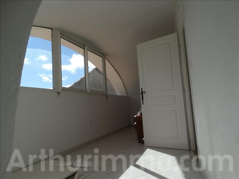 Sale house / villa Soubes 232000€ - Picture 5
