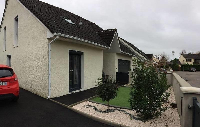 Sale house / villa Combs la ville 399000€ - Picture 1