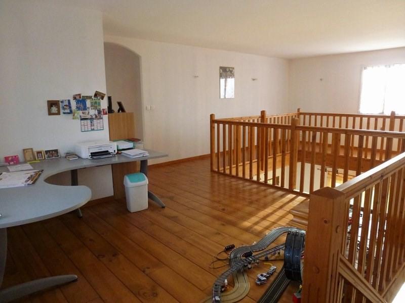 Sale house / villa Lapeyrouse mornay 295000€ - Picture 11