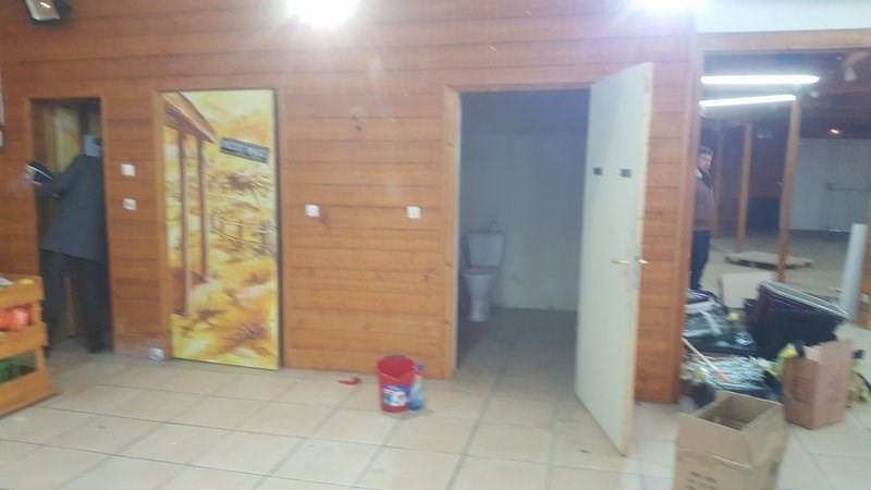 Location local commercial St lo 2 420€ CC - Photo 2