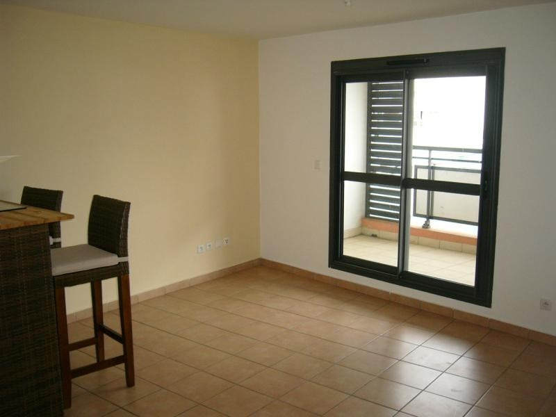 Location appartement Moufia 495€ CC - Photo 3