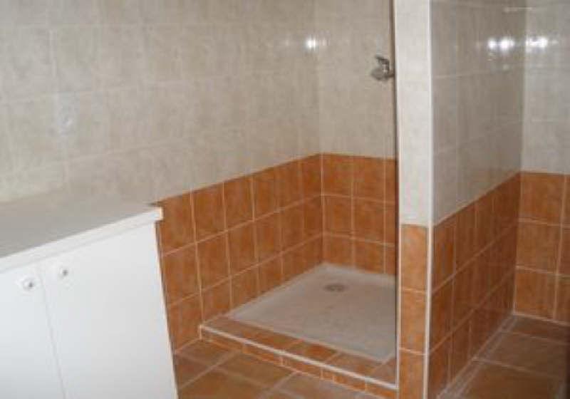 Rental apartment Salon de provence 735€ CC - Picture 4
