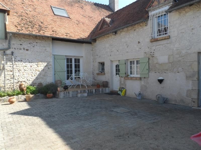 Sale house / villa Lere 106 000€ - Picture 1