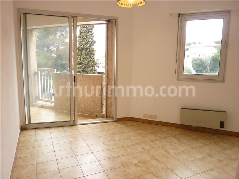 Rental apartment Saint-aygulf 450€ CC - Picture 2