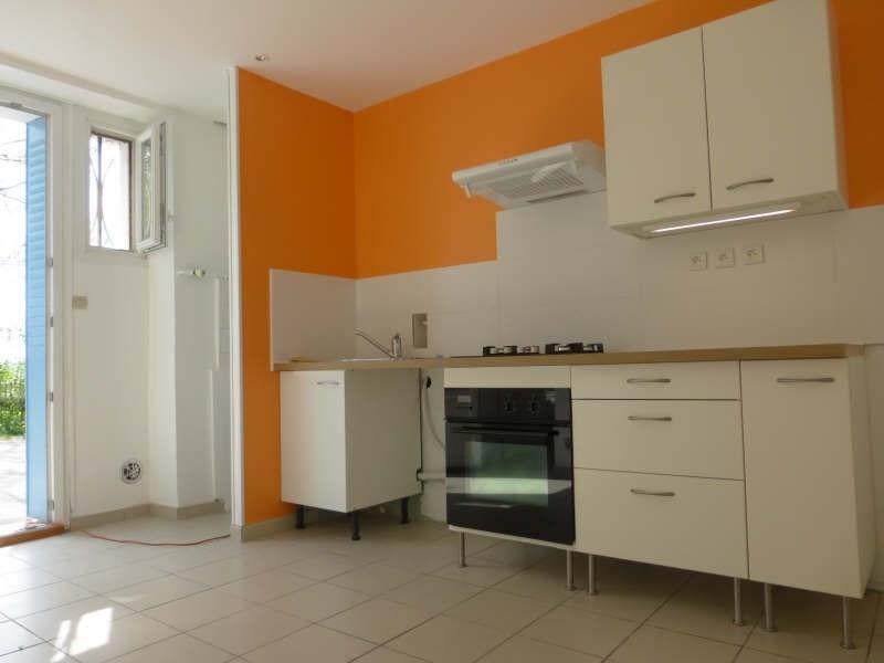 Rental apartment Voiron 438€ CC - Picture 1