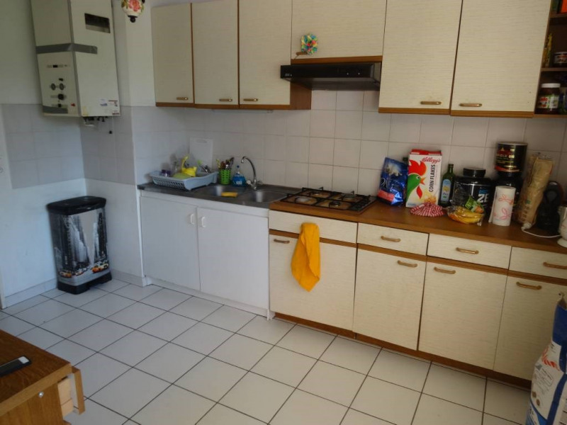 Location appartement Villeneuve-les-avignon 892€ CC - Photo 3