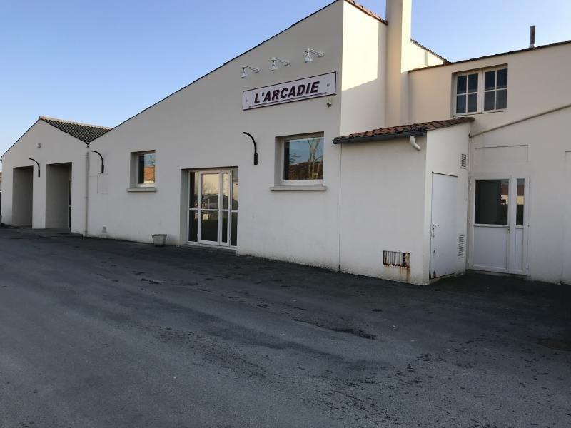 Sale empty room/storage La salle et chapelle aubr 210900€ - Picture 1