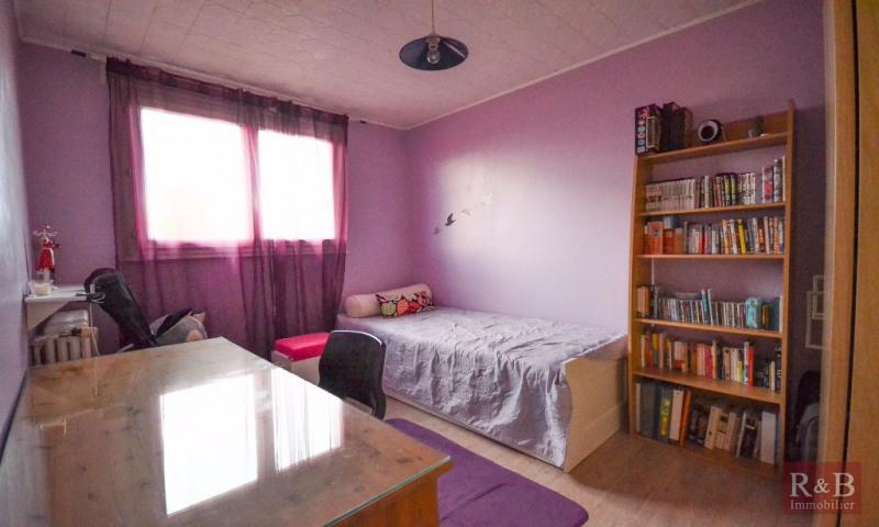Sale apartment Les clayes sous bois 173000€ - Picture 5