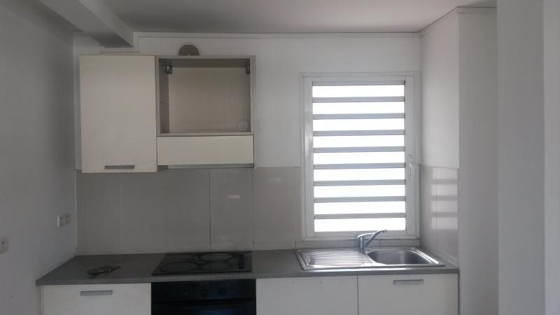 Rental apartment St denis 590€ CC - Picture 2