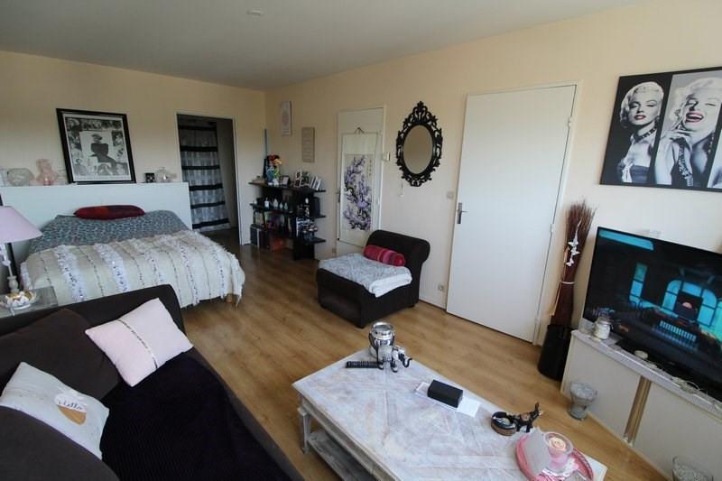 Rental apartment Elancourt 628€ CC - Picture 1