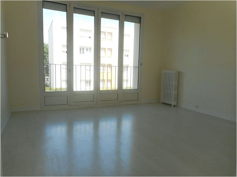 Rental apartment Athis-mons 862€ CC - Picture 2