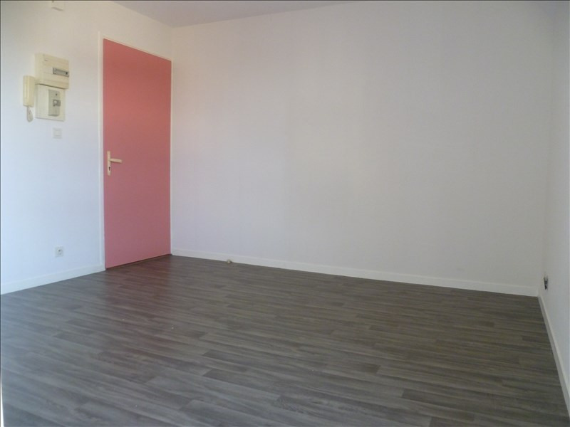 Location appartement Ifs 375€ CC - Photo 2