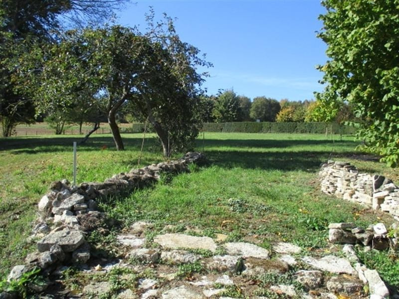 Sale house / villa St jean d angely 209000€ - Picture 2