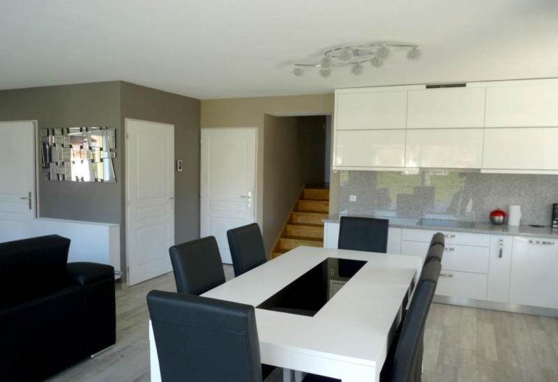 Sale house / villa Saint-pierre-en-faucigny 450000€ - Picture 4
