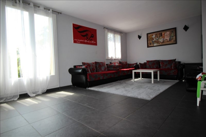 Sale apartment Chatou 239 000€ - Picture 2