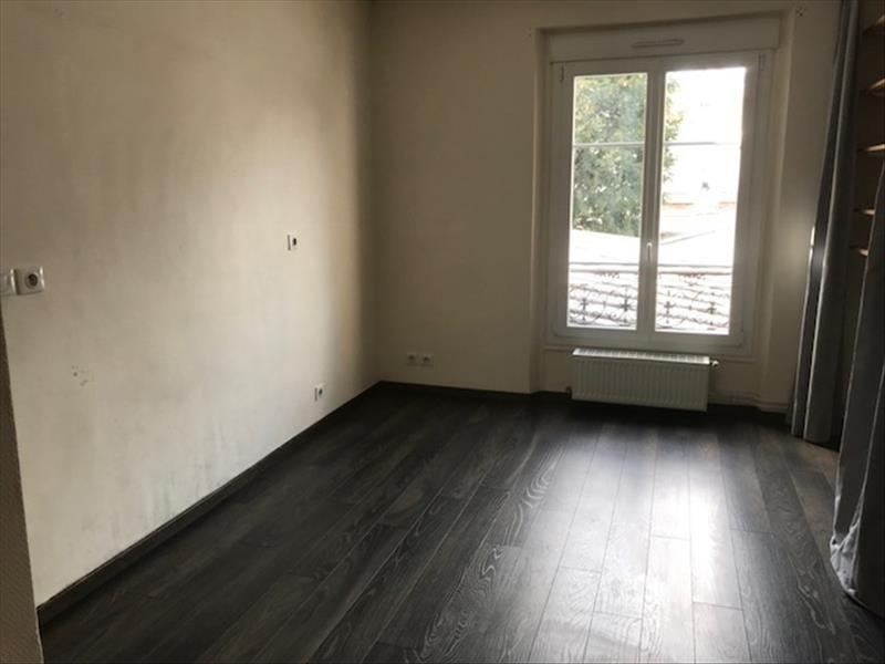 Locação apartamento Paris 18ème 957€ CC - Fotografia 3
