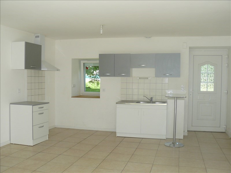 Location maison / villa Lanouee 508€ CC - Photo 3