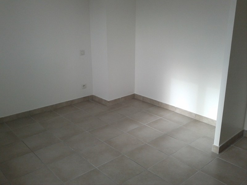 Location maison / villa St cyr sur le rhone 900€ CC - Photo 4
