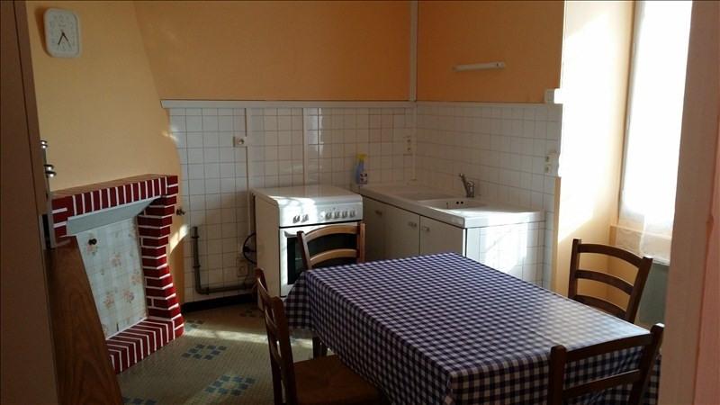 Location maison / villa St pere en retz 585€ CC - Photo 2