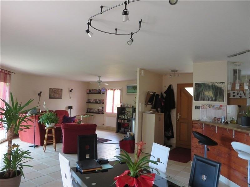 Sale house / villa Montpon menesterol 241000€ - Picture 2