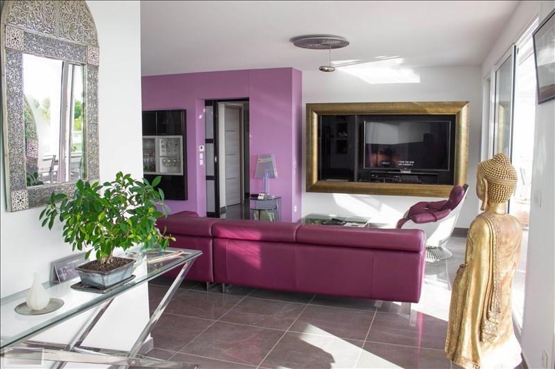 Deluxe sale apartment Carqueiranne 880000€ - Picture 3