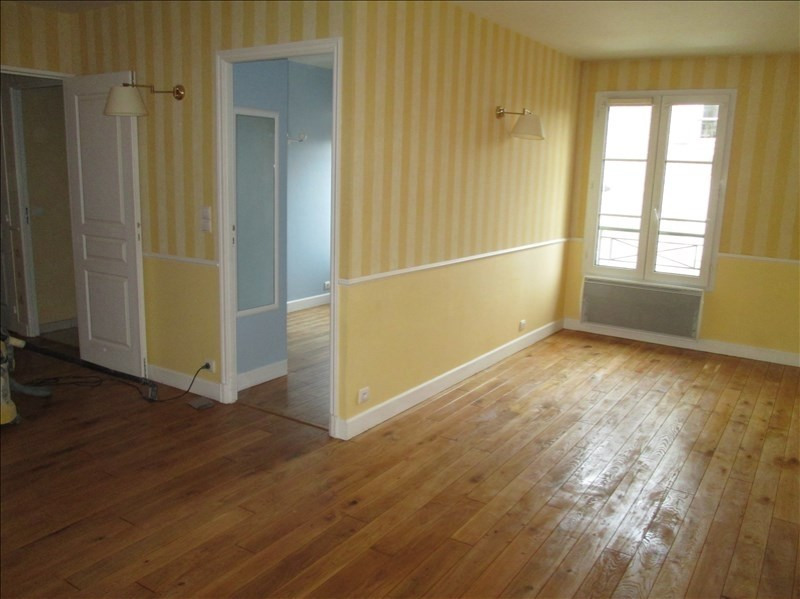 Rental apartment Versailles 1 350€ CC - Picture 1