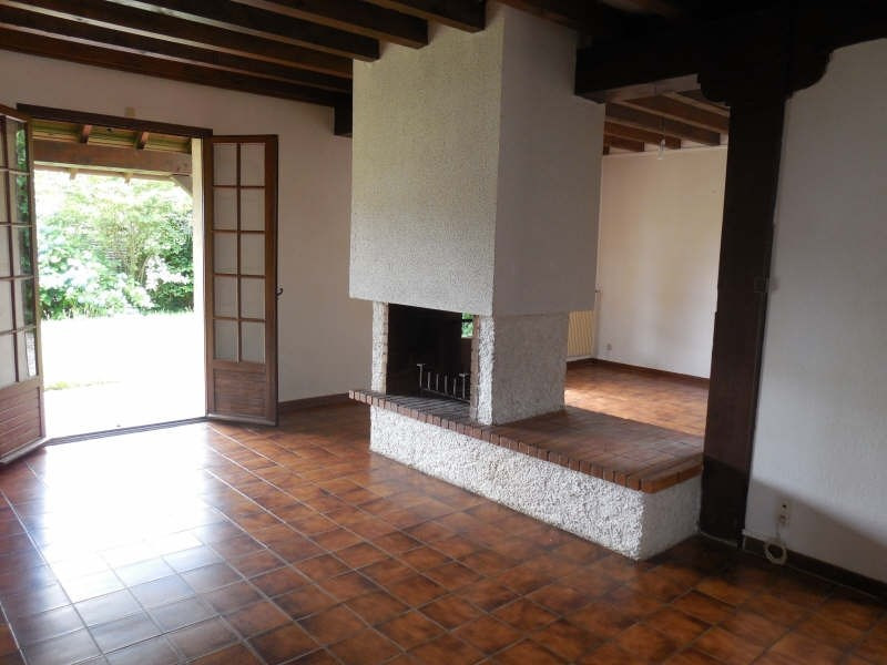 Location maison / villa Gan 882€ CC - Photo 2