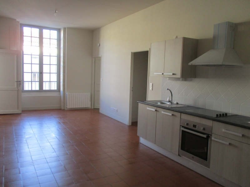 Rental apartment Nimes 629€ CC - Picture 1