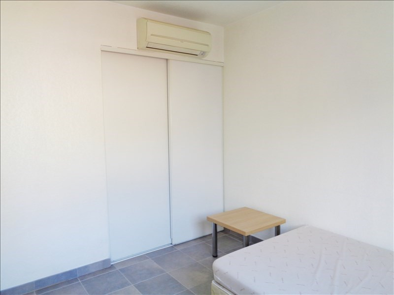 Location appartement Toulon 415€ CC - Photo 2