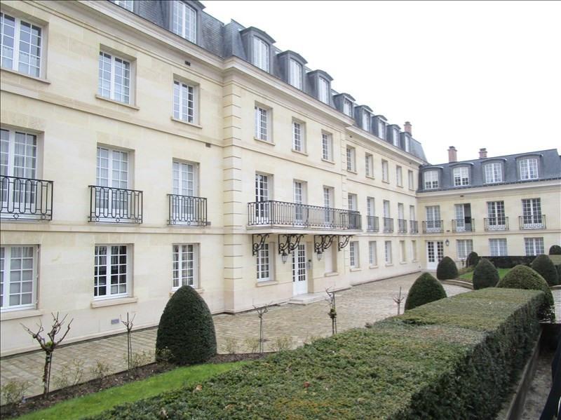 Sale apartment Versailles 130000€ - Picture 1