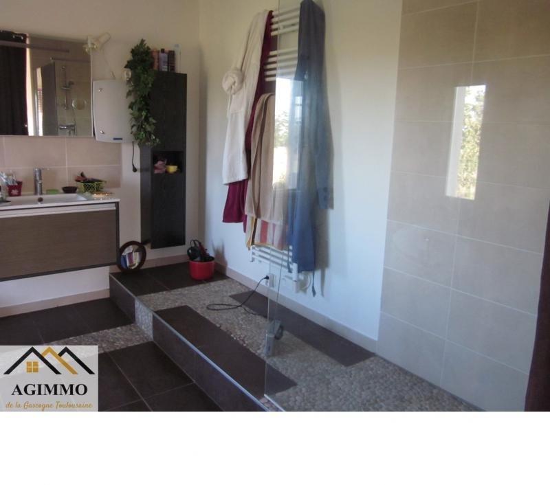 Sale house / villa L isle jourdain 352000€ - Picture 4