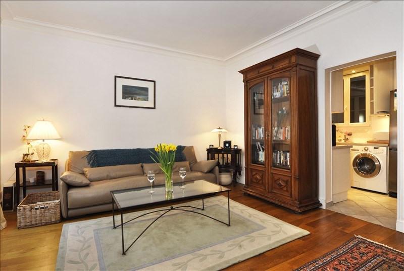 Location appartement Paris 8ème 2260€ CC - Photo 2