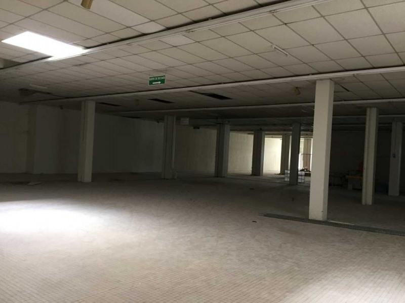 Location Boutique Laval 0
