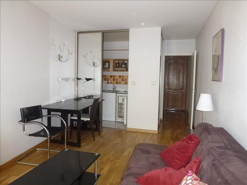 Location appartement Paris 15ème 830€ CC - Photo 2