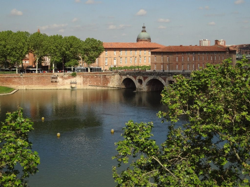 Sale apartment Toulouse 119 000€ - Picture 1