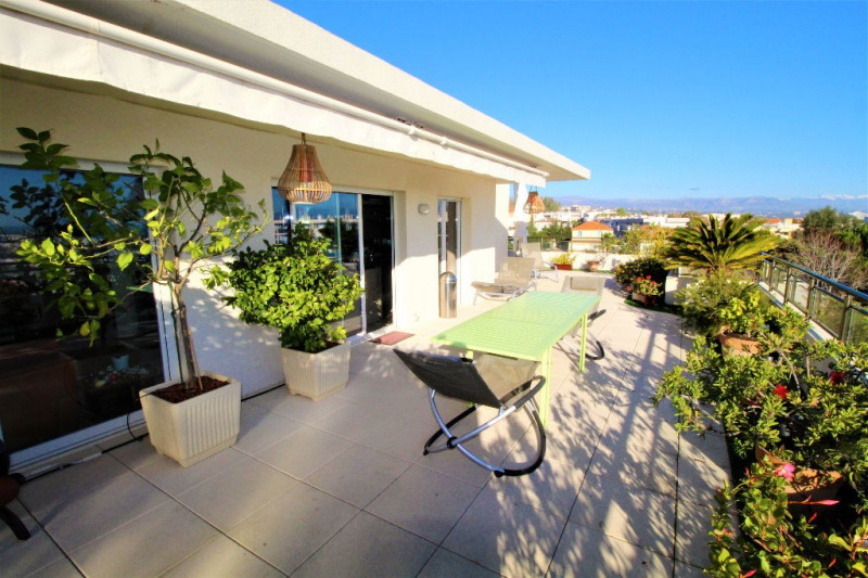 Deluxe sale apartment Antibes 730000€ - Picture 2