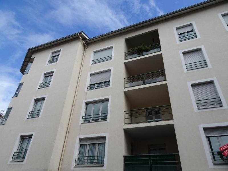 Location appartement Villefranche sur saone 858€ CC - Photo 7