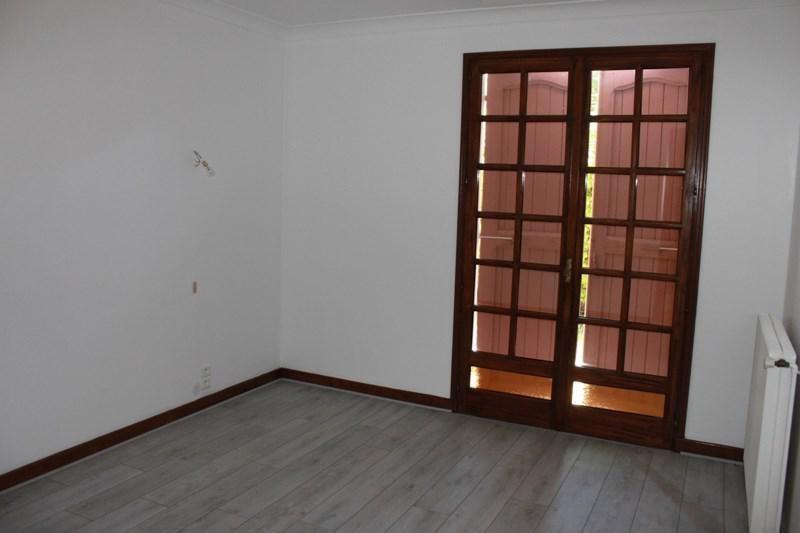Sale house / villa Estrablin 291000€ - Picture 8