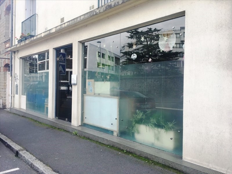 Location local commercial Fougeres 550€ HT/HC - Photo 1