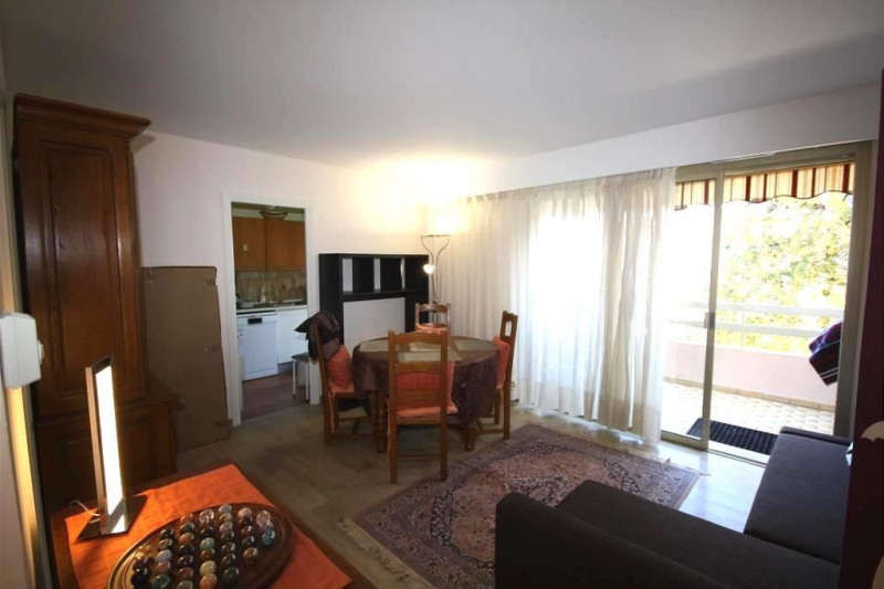 Rental apartment Antibes 960€ CC - Picture 4
