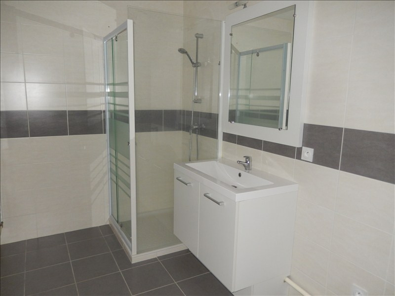 Rental apartment Le puy en velay 472,79€ CC - Picture 3