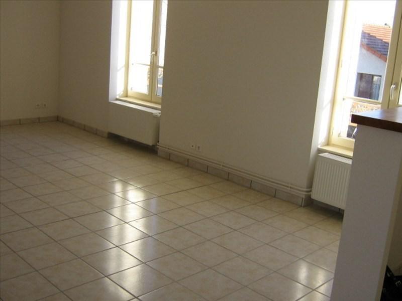 Location appartement Roanne 572€ CC - Photo 2
