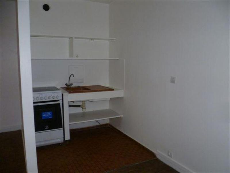 Location appartement Paris 18ème 1080€ CC - Photo 2