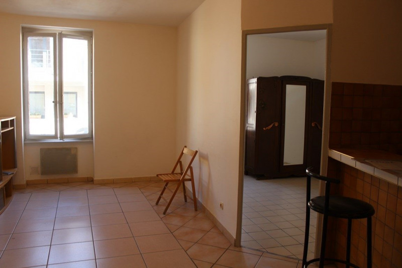 Locação apartamento Saint-just-saint-rambert 380€ CC - Fotografia 6