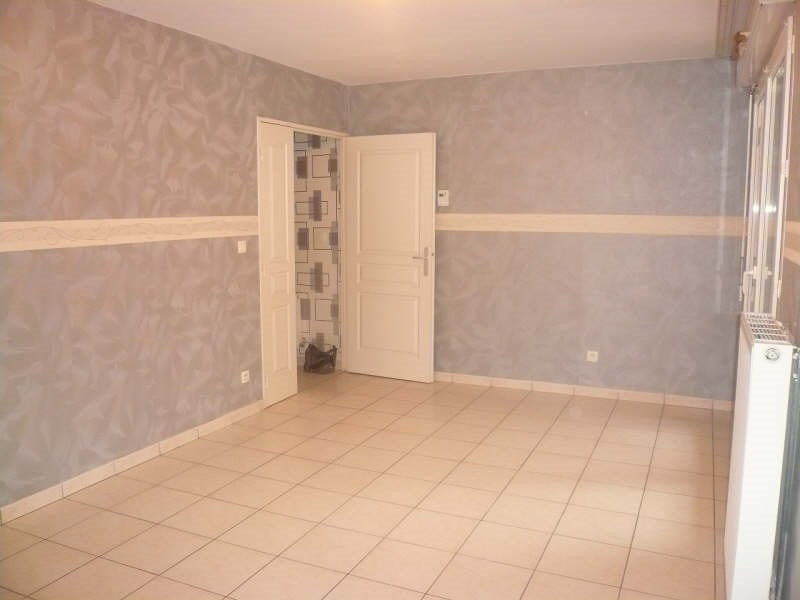 Location appartement Bourgoin jallieu 673€ CC - Photo 2
