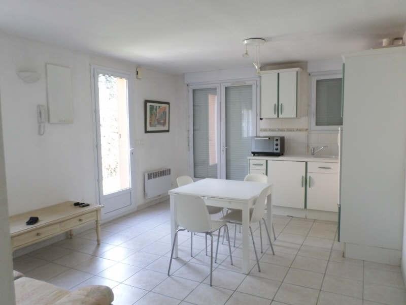 Rental apartment Salon de provence 633€ CC - Picture 2