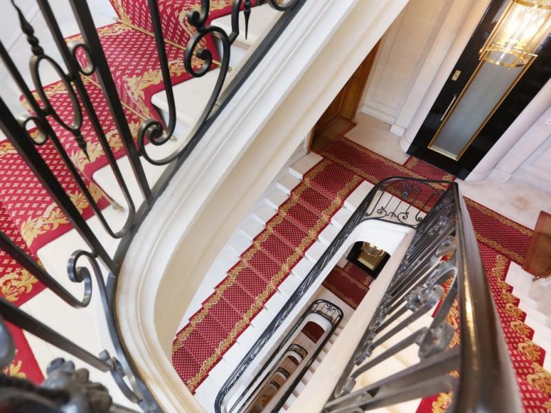 Aрендa квартирa Neuilly-sur-seine 5880€ CC - Фото 2