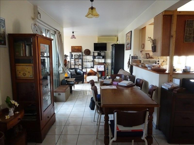 Sale apartment St pierre 153700€ - Picture 2